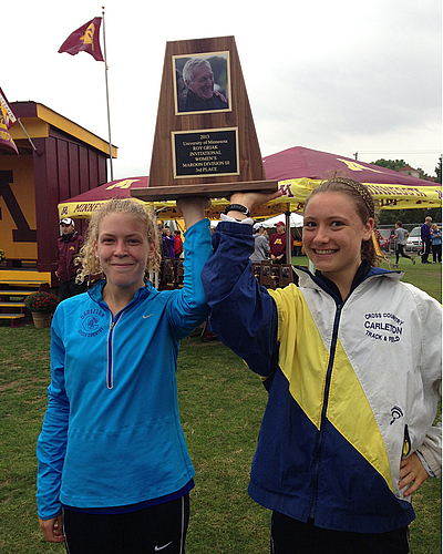 Colette Celichowski, Ruth Steinke, women's cross country action