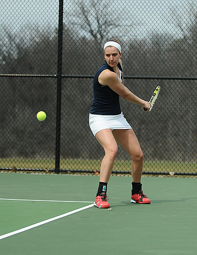 Anne Lombardi, women's tennis action