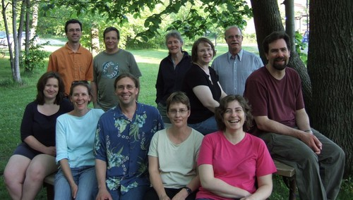 Chemistry Department faculty and staff at the 2006 spring picnic