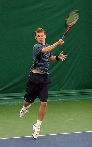 Peter Dunn, men's tennis action