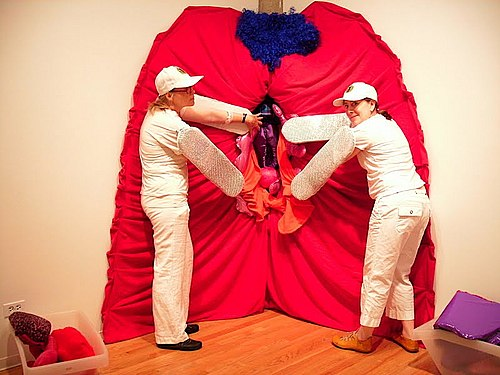 /Vulva performance at the EveryBody! opening at iSpace gallery ...