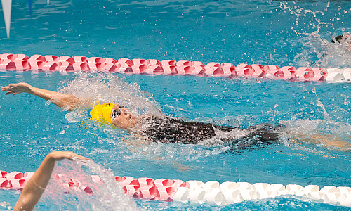 Kale Zicafoose, women's swimming and diving action
