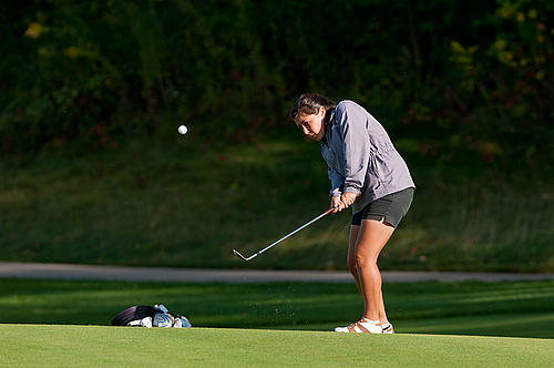 Gina Kabasakalis, women's golf action