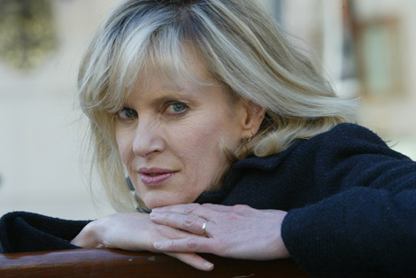 Analysis of siri hustvedt s living with