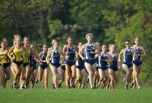 Ele Hansen Invite Recap Varsity Athletics Carleton College
