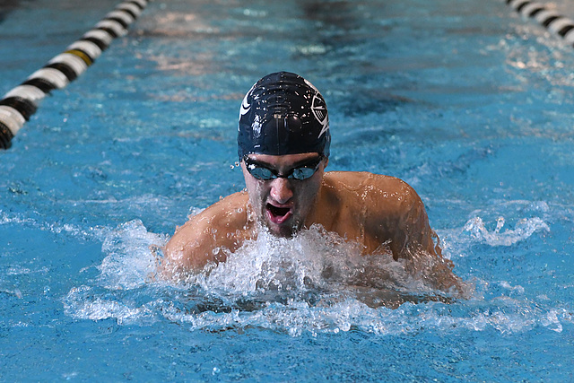 Knights Fall To Tommies To First Dual Meet Of The Season Varsity Athletics Carleton College
