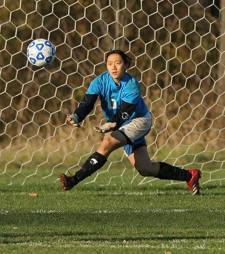 Women 39 S Soccer Hosts Macalester College 10 25 06 Varsity Athletics Carleton College