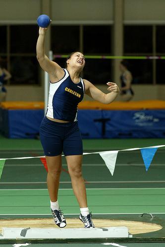 Women 39 S Indoor Track Hosts Pre Miac Meet 2 27 04 Varsity Athletics Carleton College