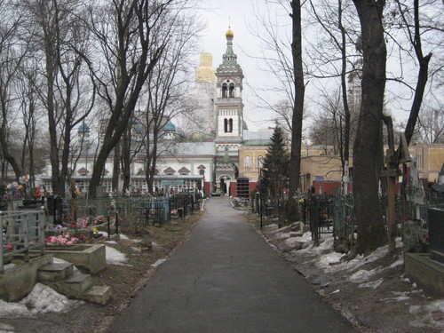 The cemetery, towered over by the Winter Church