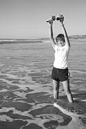 Katie Visco '07 celebrates the conclusion of her run across America