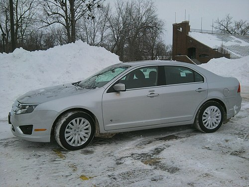2010 Hybrid Ford Fusion 5-passenger MPG City/Hwy estimate: 41/36