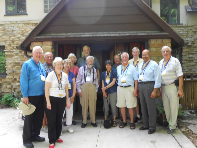 '68ers visit with Professor Will