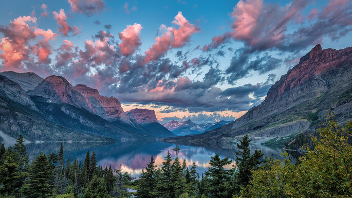 Sunrise over Wild Goose Island, Glacier National Park, Montana