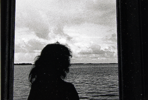 Ralph Gibson, Girl, Door, Sea, 1972
