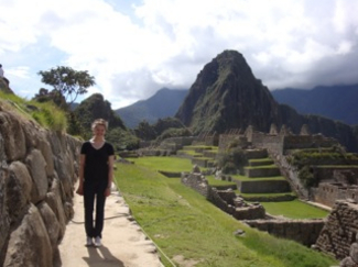 Karen Halls '15 (volleyball) in Peru as part of Carleton's Society, Culture and Language program