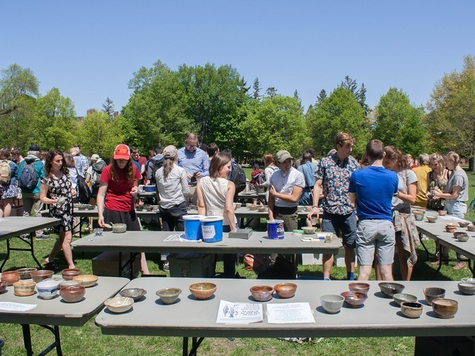 Students, Faculty and Staff choose their bowls.