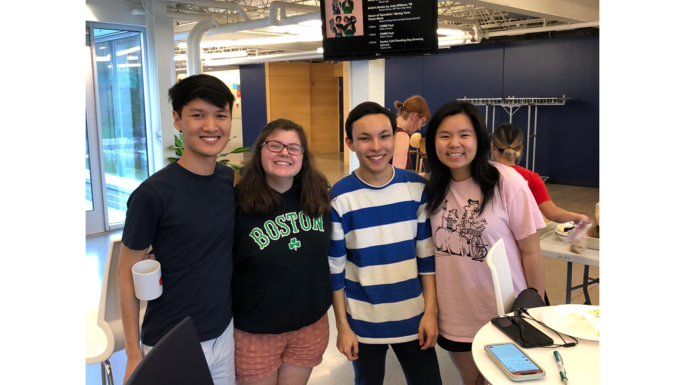 Students posing at the 2018 Linguistics Spring Picnic