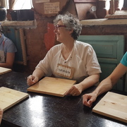 AM and LG learn to make bubliki (Russian bagels) in Zvenigorod, July 2017.