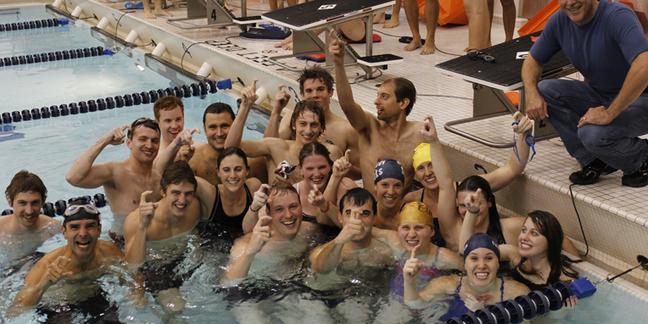 Men 39 S Swimming Diving Hosts Intrasquad Aumni Meet Varsity Athletics Carleton College
