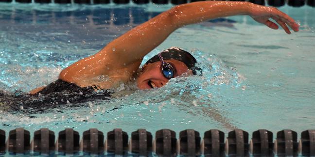 Women 39 S Swimming Diving Hosts Gustavus Adolphus Green Dot Day Varsity Athletics Carleton