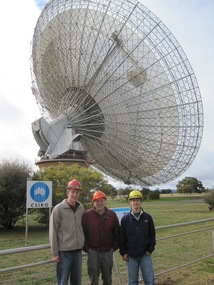 Weisberg research team at Australia radiotelescope