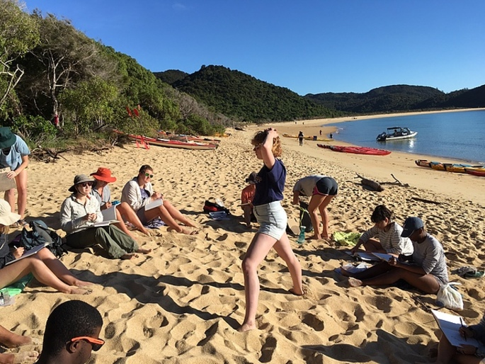 Student practice figure drawing on the golden beaches (Abel Tasman) - Winter 2017