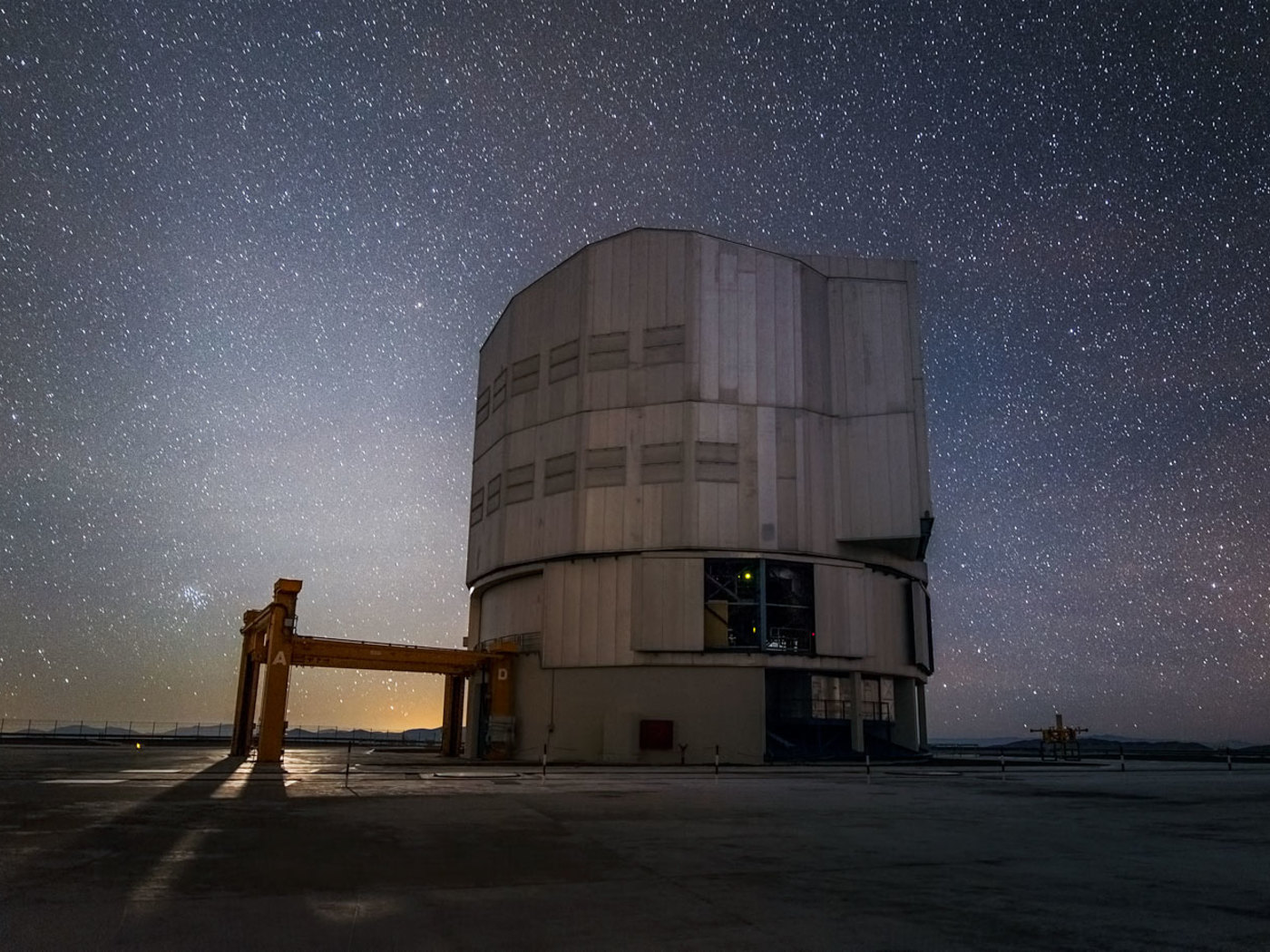 Paranal Observatory Cloaked_in_Stars