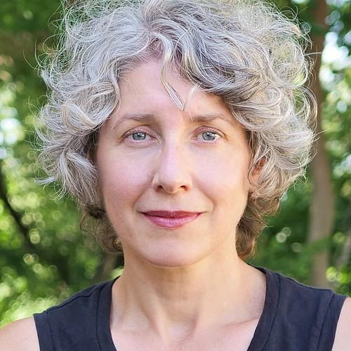 Photo of Annette Nierobisz